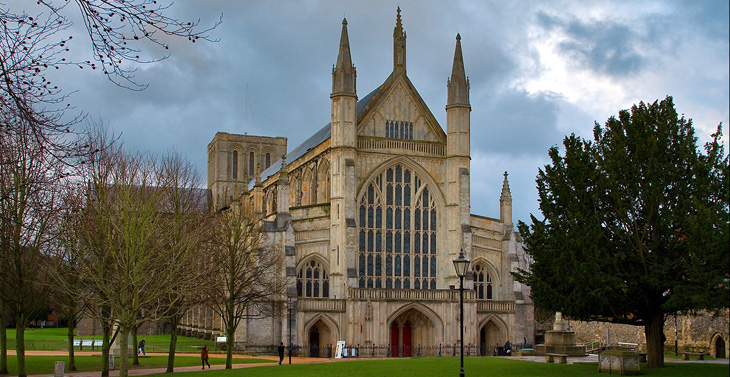 front-of-winchester-cathedral